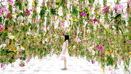 Floating Flower Garden, by teamLab (2015)
